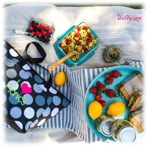thirty-one-gifts-picnic-perfect-thermals